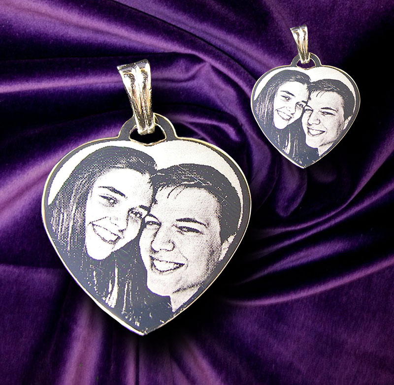 For die-hard romantics a small Heart Photo Pendant