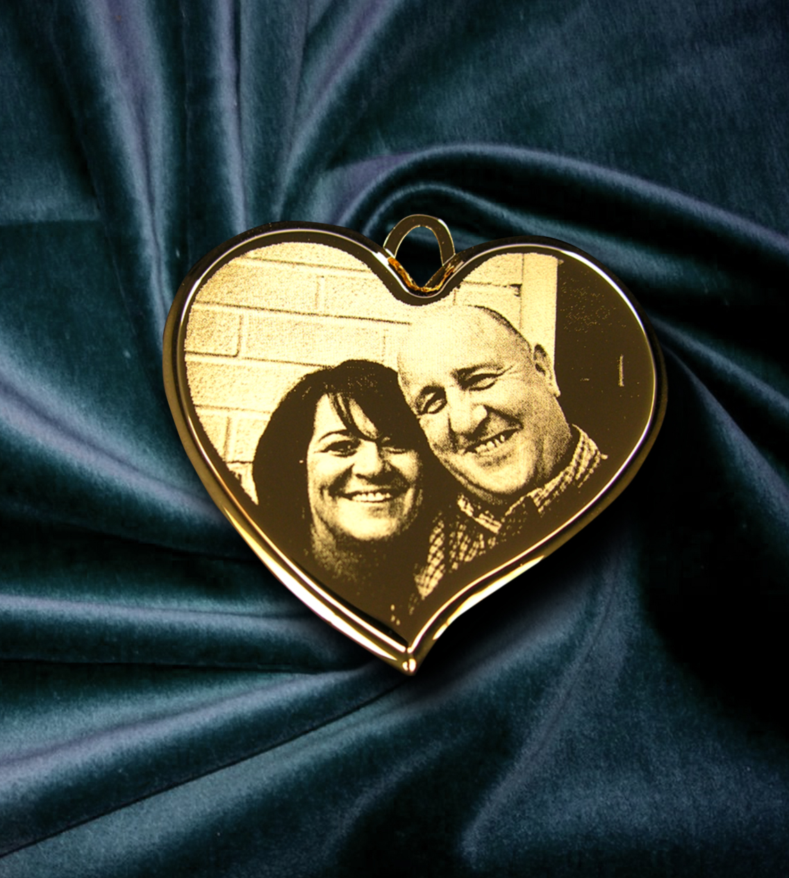 Gold Plated Deluxe Bevelled Large Heart