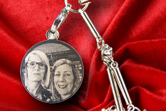 A Mini Round Photo Pendant to attach to your mobile